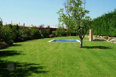 Residential for sale in Navata. Detached house – Navata, Catalonia, Spain