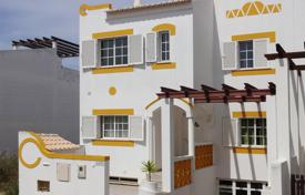 3 bedroom townhouse, near to beach Lagos, West Algarve for 382,000 $