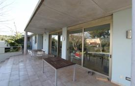 Villa with a private garden, a pool, a garage and a separate apartment, Palmanova, Spain for 1,400,000 €