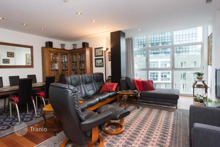 Residential for sale in Bilbao. Spacious apartment in a modern residential complex, Albia, Bilbao, Spain