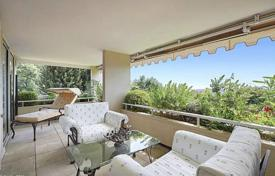 Apartments with pools by the sea for sale in Cannes. Apartment – Cannes, Côte d'Azur (French Riviera), France