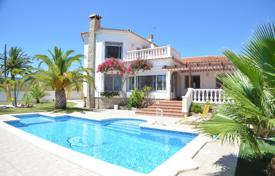 Spacious villa with a private garden, a swimming pool, a sauna and a garage, Mont Roch del Camp, Spain for 480,000 €