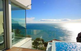 Luxury houses for sale in Benitachell. Luxury villa of 4 bedrooms offering sea-views in Benitachell, Alicante