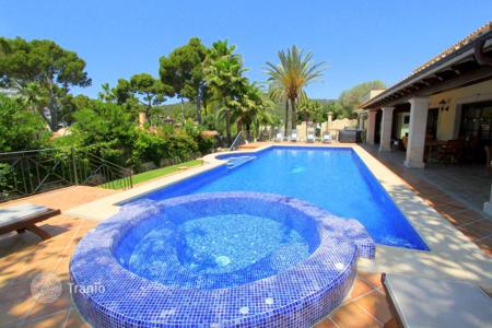Luxury houses with pools for sale in Palma de Mallorca. Villa – Palma de Mallorca, Balearic Islands, Spain