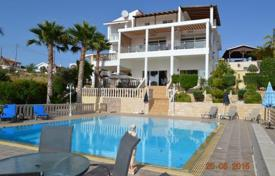 Luxury property for sale in Peyia. 5 Bedroom Luxury Villa with Additional Maids Accommodation, Title Deeds — Coral Bay
