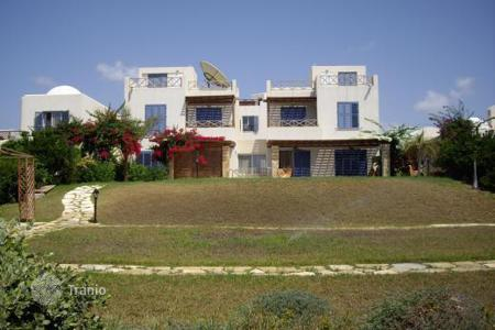 Coastal houses for sale in Chloraka. 7 Bedroom Sea Front Villa, 50m To Beach — Chlorakas
