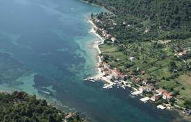 Development land for sale in Dubrovnik Neretva County. Plot of land with a sea view on the front coastline, Broce, Croatia