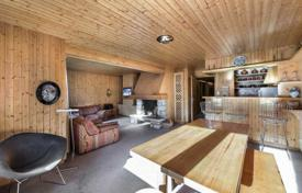 3 bedroom apartments for sale in Meribel. Apartment with a loggia, a balcony and a garage, in the ski resort of Meribel, Savoie, France