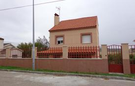 Foreclosed 2 bedroom houses for sale in Spain. Villa – Colmenar de Oreja, Madrid, Spain