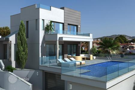 Houses with pools by the sea for sale in Calpe. Villa – Calpe, Valencia, Spain