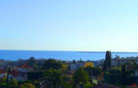 Luxury 4 bedroom houses for sale in France. SEAVIEW AND PERFECT EXPOSURE