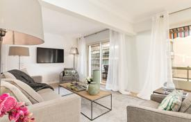 Luxury 3 bedroom apartments for sale in Côte d'Azur (French Riviera). Cannes — Steps from the Croisette — Magnificent apartment