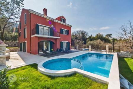 Property for sale in Dubrovnik Neretva County. Furnished villa with a swimming pool, a garden and a terrace, Cavtat, Croatia