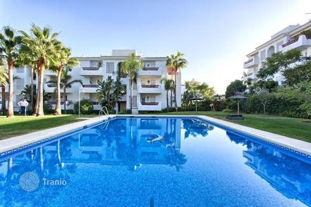 Cheap 3 bedroom apartments for sale in Andalusia. Apartment – Estepona, Andalusia, Spain
