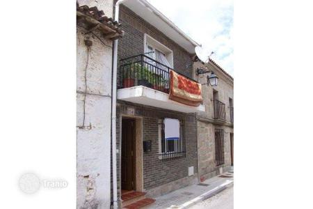 Cheap 4 bedroom houses for sale in Madrid. Villa – San Lorenzo de El Escorial, Madrid, Spain