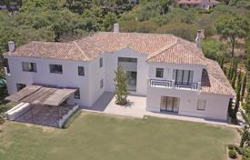 Spectacular southeast-facing modern style villa front line to the 4th green of the Real Club de Golf Valderrama for 3,190,000 €