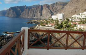 Residential for sale in Puerto de Santiago. Unique penthouse on the seafront in Los Gigantes in Tenerife