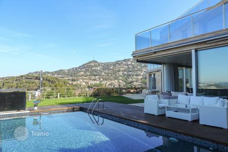Luxury houses for sale in Catalonia. Villa – Lloret de Mar, Catalonia, Spain
