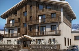 4 bedroom apartments for sale in Auvergne-Rhône-Alpes. Elite apartment with a balcony and a garden, in a new residence, 200 meters from the slopes, Megeve, Alps
