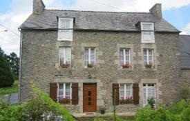 Cheap 5 bedroom houses for sale in France. Semi-detached stone property in village setting near Dinan