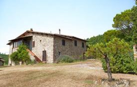 Property for sale in Umbertide. Prestigious farmhouse in Umbria-antique period farmhouse
