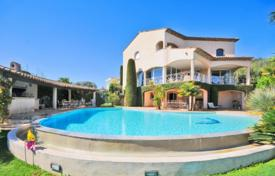 Luxury 5 bedroom houses for sale in France. Villa – Antibes, Côte d'Azur (French Riviera), France