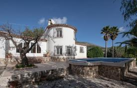 Houses for sale in Jalón. 3 bedroom villa with private pool, garden and BBQ area in Jalón