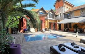 Residential to rent in France. Contemporary villa in Cannes