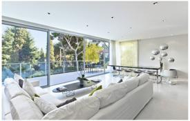 Saint-Jean Cap Ferrat — Modern villa with pool. Price on request