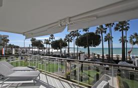 Cannes Croisette — 3-room apartment of 88m² for 2,850,000 €