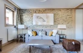 Residential for sale in Savoie. Apartment in a calm area close to the slopes, Courchevel, France