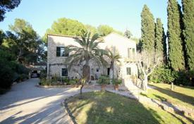 3 bedroom houses by the sea for sale in Calvia. Villa – Calvia, Balearic Islands, Spain
