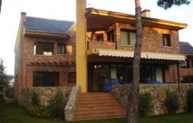 Residential for sale in Madrid. Villa with a terrace and a swimming pool, Pozuelo de Alarcon, Spain