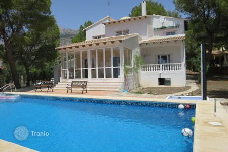 Property to rent in Costa Blanca. Detached house – Altea, Valencia, Spain