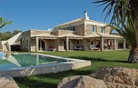 Stone villa with a private garden, a pool, a garage, terraces and mountain views, Heraklion, Greece for 650,000 €