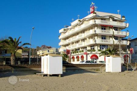 Commercial property for sale in Abruzzo. Hotel - Martinsicuro, Abruzzo, Italy