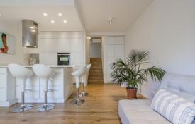 2 bedroom apartments for sale in Barcelona. Comfortable two-level apartment in a residence with an elevator and a parking, close to the beach, Barcelona, Spain