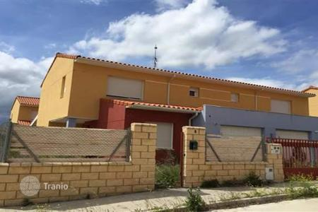 Foreclosed 4 bedroom houses for sale in Castille and Leon. Villa – Modúbar de la Emparedada, Castille and Leon, Spain