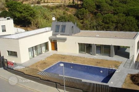 Coastal houses for sale in Blanes. Villa – Blanes, Catalonia, Spain