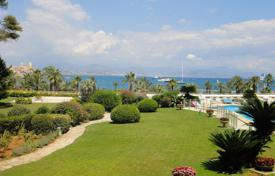 3 bedroom apartments to rent in France. Beautiful 3 bedroom apartment at the edge of Cap d' Antibes — Gorgeous sea view