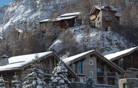 Villas and houses for rent with swimming pools in Auvergne-Rhône-Alpes. Chalet – Val d'Isere, Auvergne-Rhône-Alpes, France