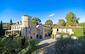 Property to rent in La Colle-sur-Loup. Near Saint-Paul-de-Vence — Authentic castle to 15 mn from airport