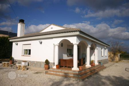 Cheap houses for sale in Castille La Mancha. Villa – Caudete, Castille La Mancha, Spain