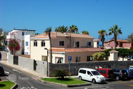 5 bedroom houses for sale in Tenerife. Villa – Playa, Canary Islands, Spain