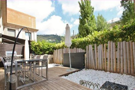 5 bedroom houses for sale in Barcelona. Town house Barcelona