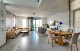Coastal residential for sale in Netanya. Villa with sea view