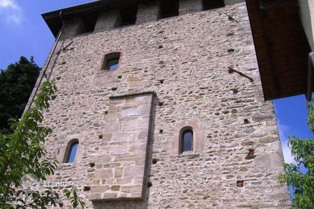 Luxury chateaux for sale in Italy. At 40 min from TURIN, MEDIEVAL PROPERTY