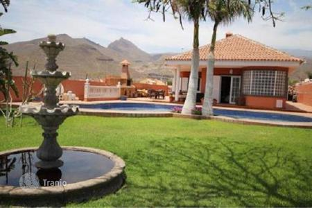 Property for sale in Aldea Blanca. Duplex villa with pool, garden and garage in Aldea Blanca, Tenerife
