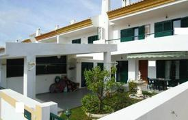 3 bedroom houses for sale in Albufeira. The townhouse in two kilometers from the beach, Albufeira, Portugal