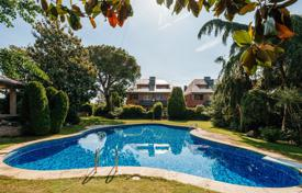 Residential for sale in Cardedeu. High-end villa with a garden, a swimming pool and a porch, Cardedeu, Spain